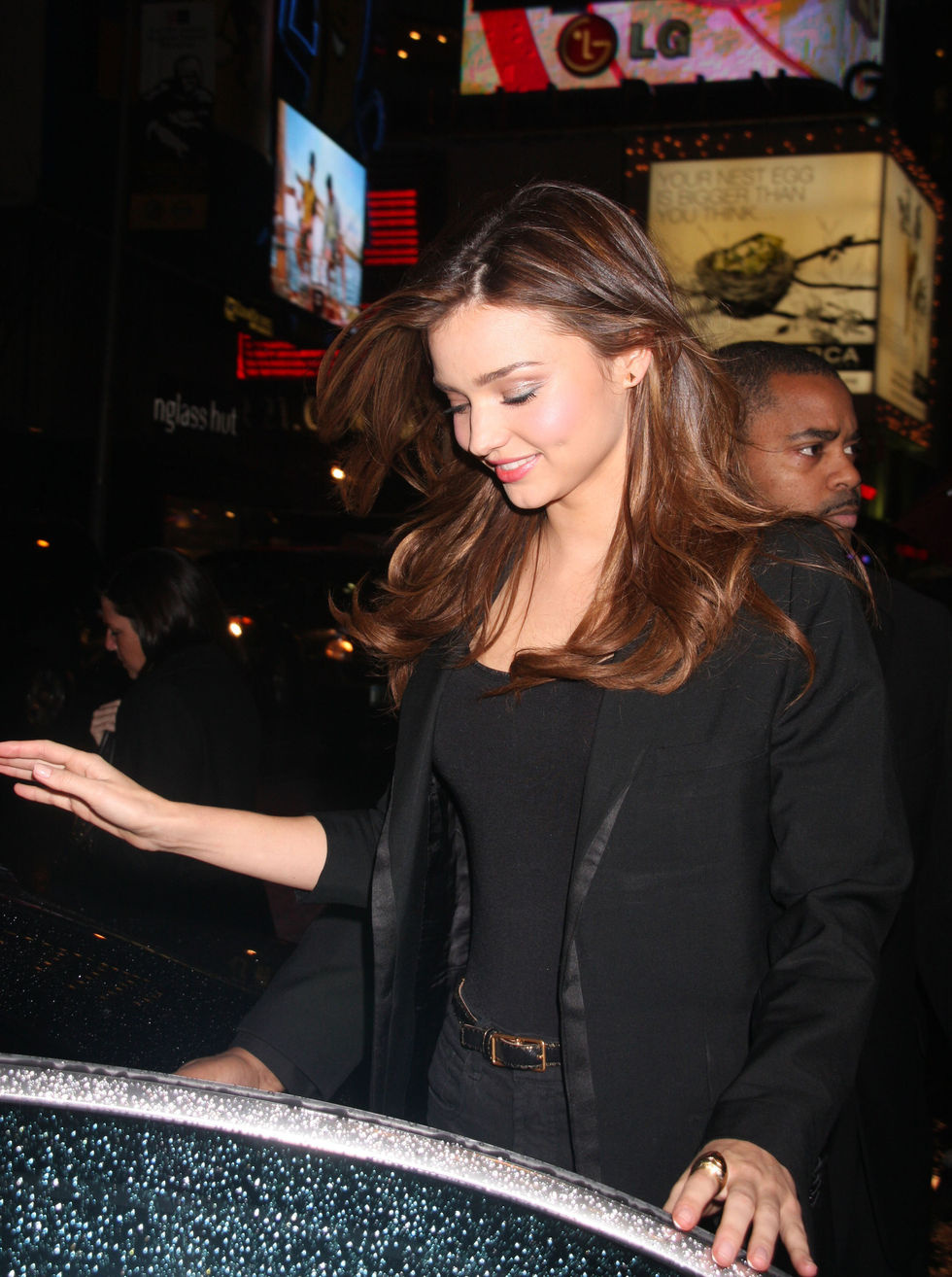 miranda-kerr-at-mtv-studios-in-times-square-01