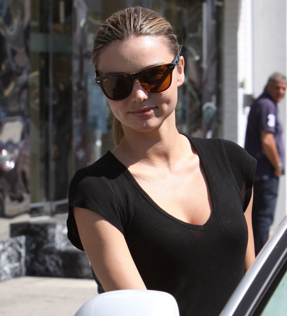 miranda-kerr-candids-in-hollywood-01