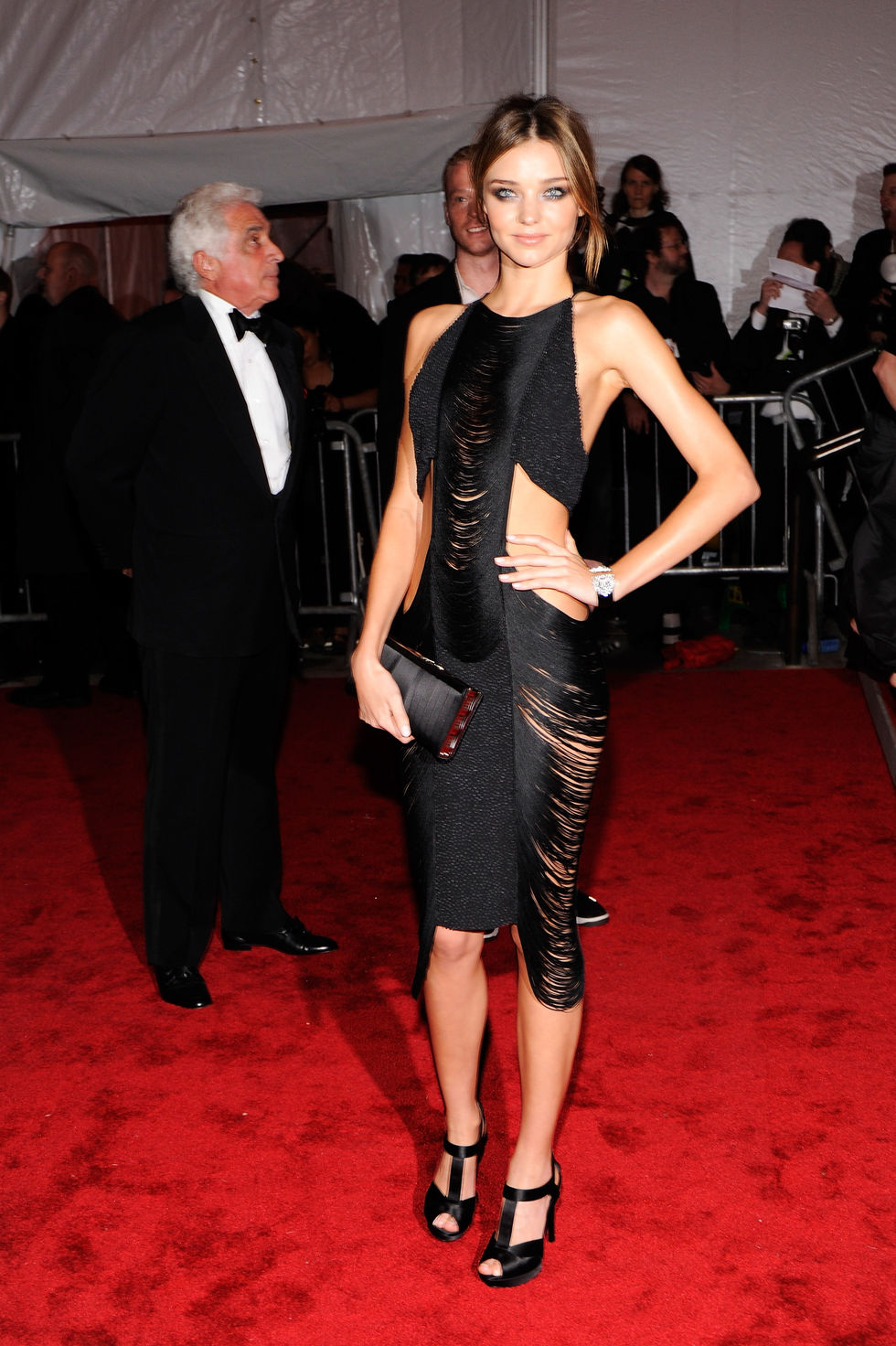 miranda-kerr-the-model-as-muse-embodying-fashion-costume-institute-gala-01