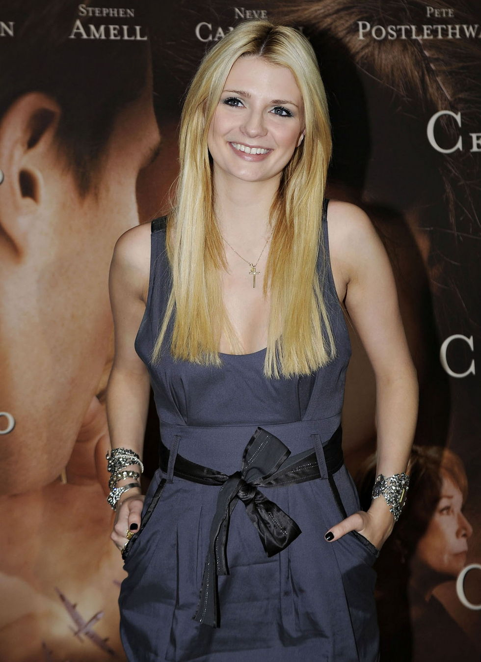 mischa-barton-closing-the-ring-premiere-in-barcelona-01