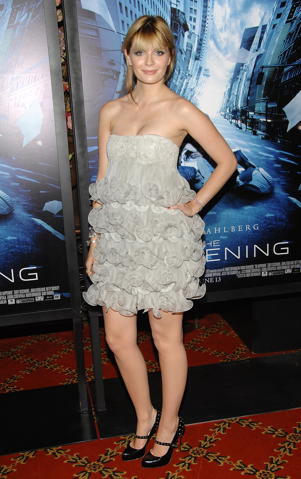 mischa-barton-the-happening-premiere-in-new-york-01