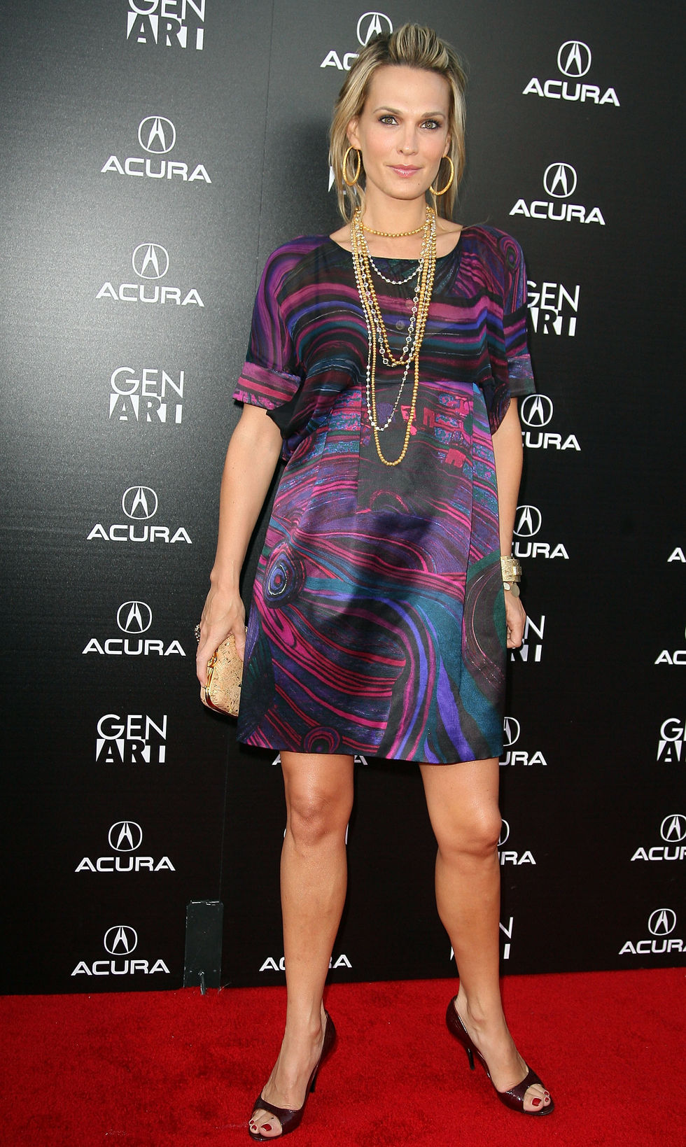 molly-sims-capture-the-night-photography-exhibition-in-los-angeles-06