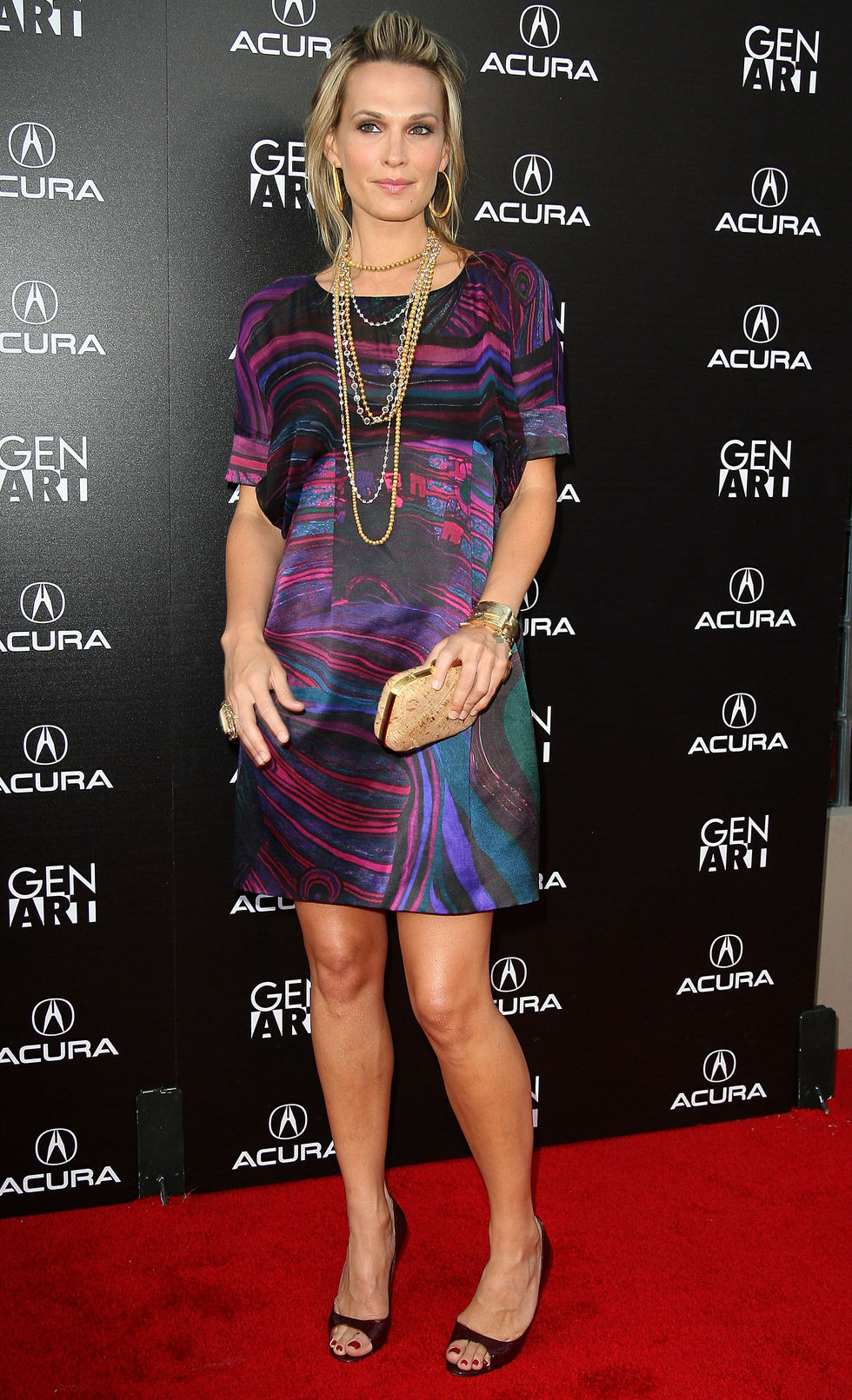 molly-sims-capture-the-night-photography-exhibition-in-los-angeles-07