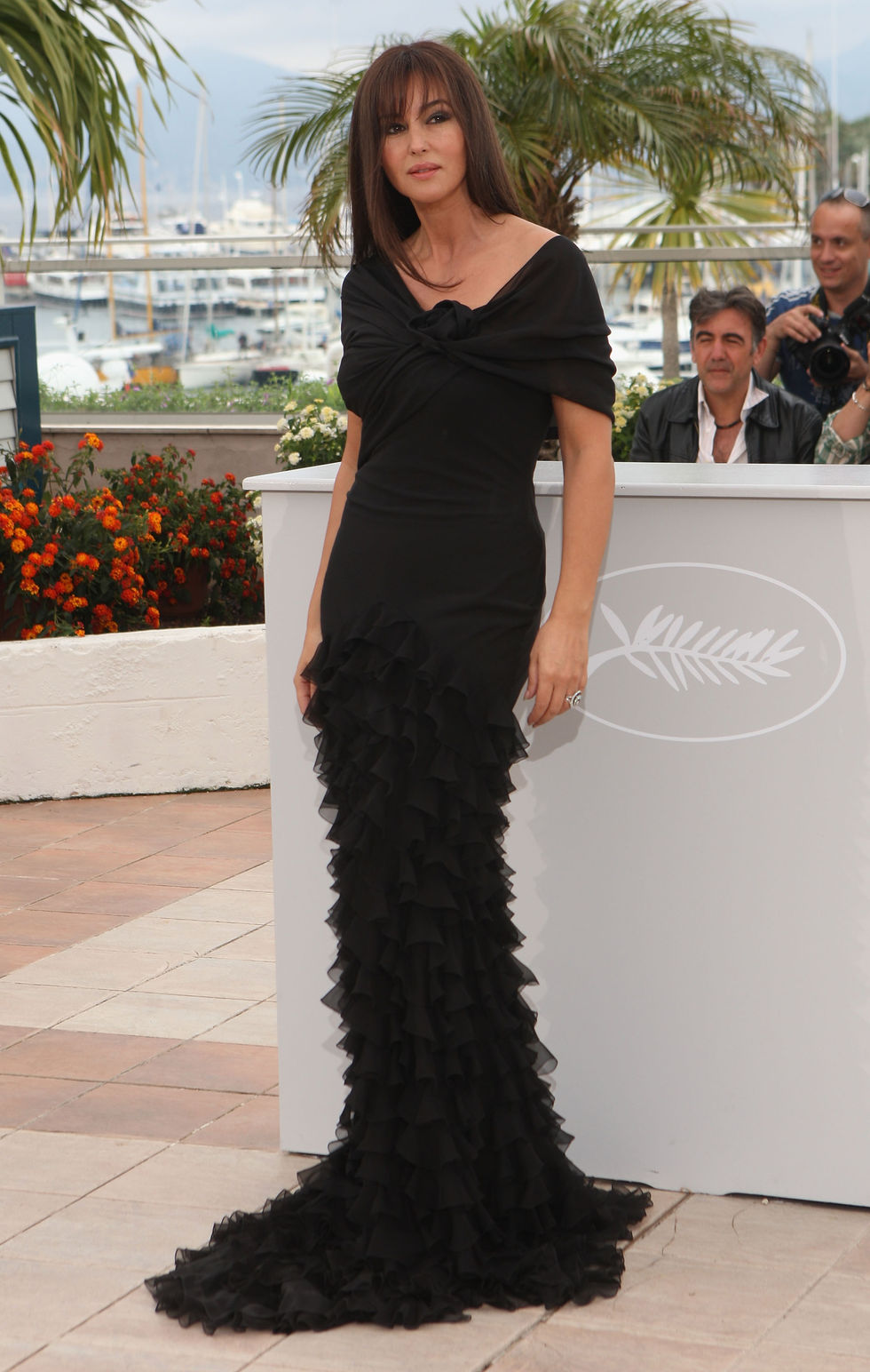 monica-bellucci-une-histoire-italienne-photocall-in-cannes-01