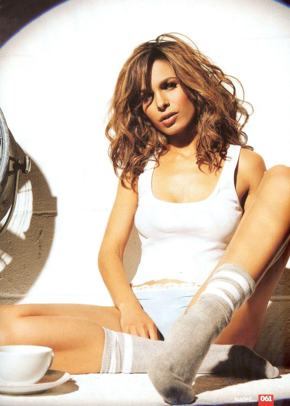 nadine-velazquez-loaded-magazine-december-2008-01