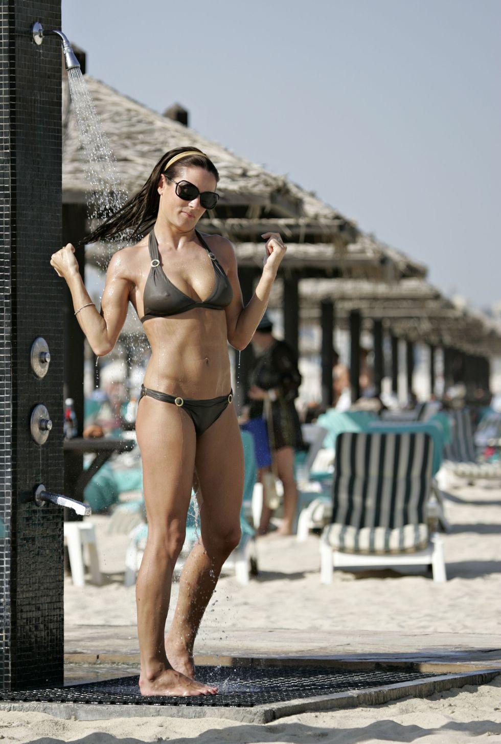 natalie-pinkham-bikini-candids-in-dubai-01