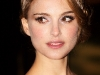 natalie-portman-and-scarlett-johansson-the-other-boleyn-girl-premiere-in-london-14