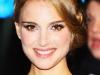 natalie-portman-and-scarlett-johansson-the-other-boleyn-girl-premiere-in-london-17