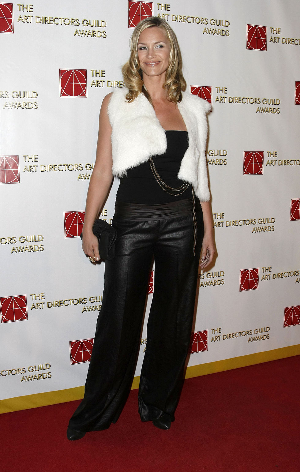 natasha-henstridge-12th-annual-art-directors-guild-awards-01