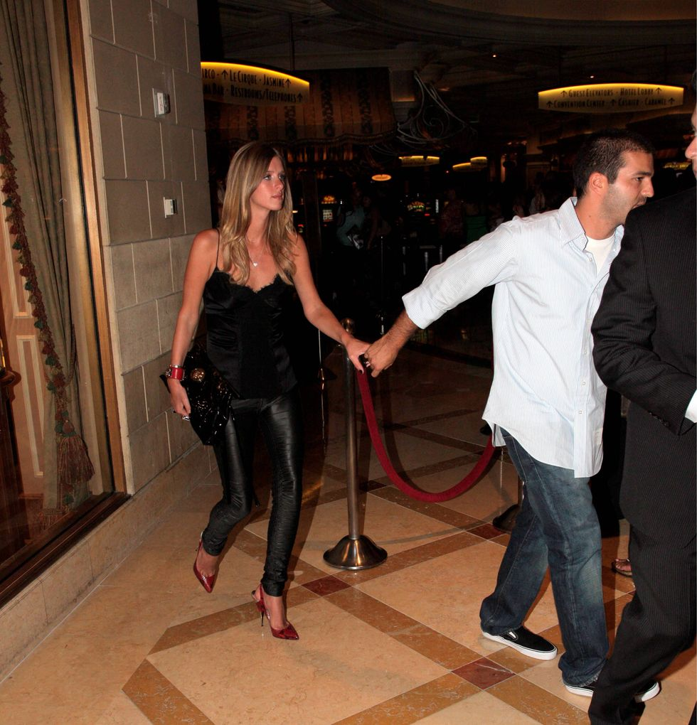 paris-and-nicky-hilton-at-yellowtail-restaurant-opening-in-las-vegas-01