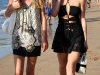 paris-and-nicky-hilton-candids-at-maui-beach-in-hawaii-03