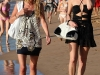 paris-and-nicky-hilton-candids-at-maui-beach-in-hawaii-04