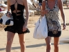 paris-and-nicky-hilton-candids-at-maui-beach-in-hawaii-14