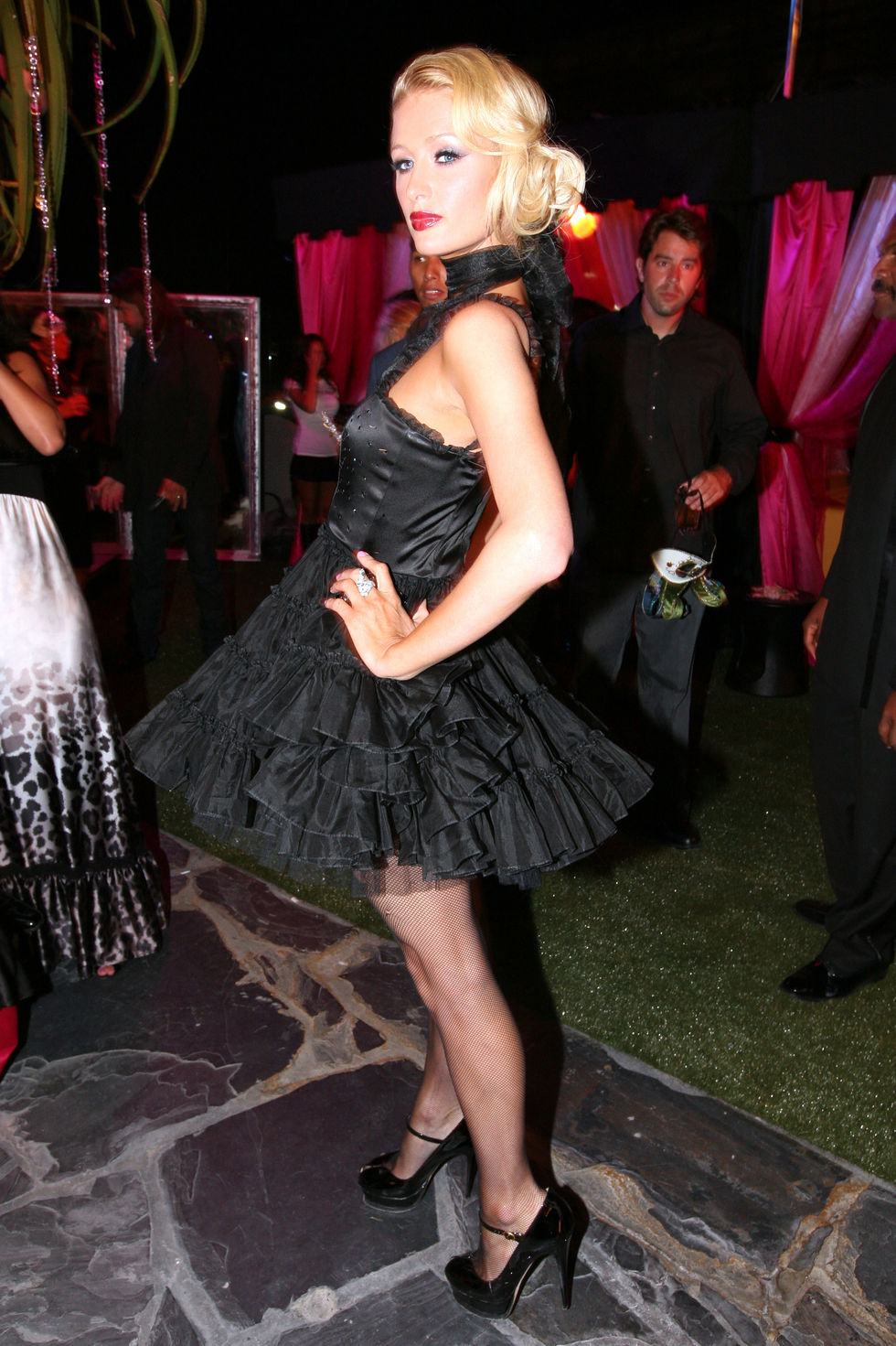 paris-hiltons-my-new-bff-masquerade-ball-at-kress-in-hollywood-01