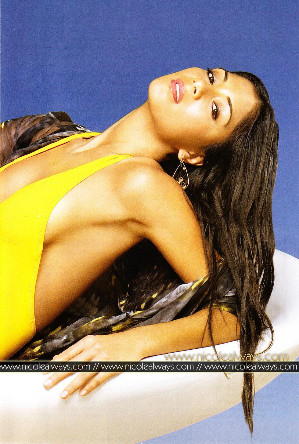 nicole-scherzinger-mens-fitness-magazine-march-2008-01