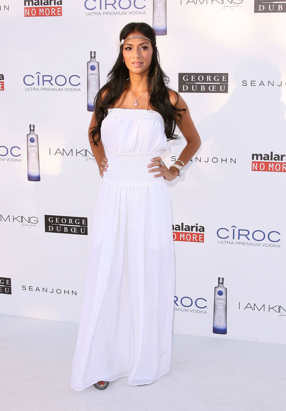 nicole-scherzinger-the-white-party-in-los-angeles-01