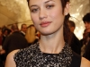 olga-kurylenko-chanel-fashion-show-in-parise-03