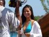 olivia-munn-in-bikini-for-g4s-420-special-in-jamaica-lq-10