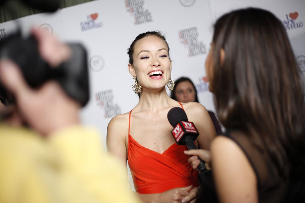 olivia-wilde-artists-for-peace-and-justice-haiti-benefit-01