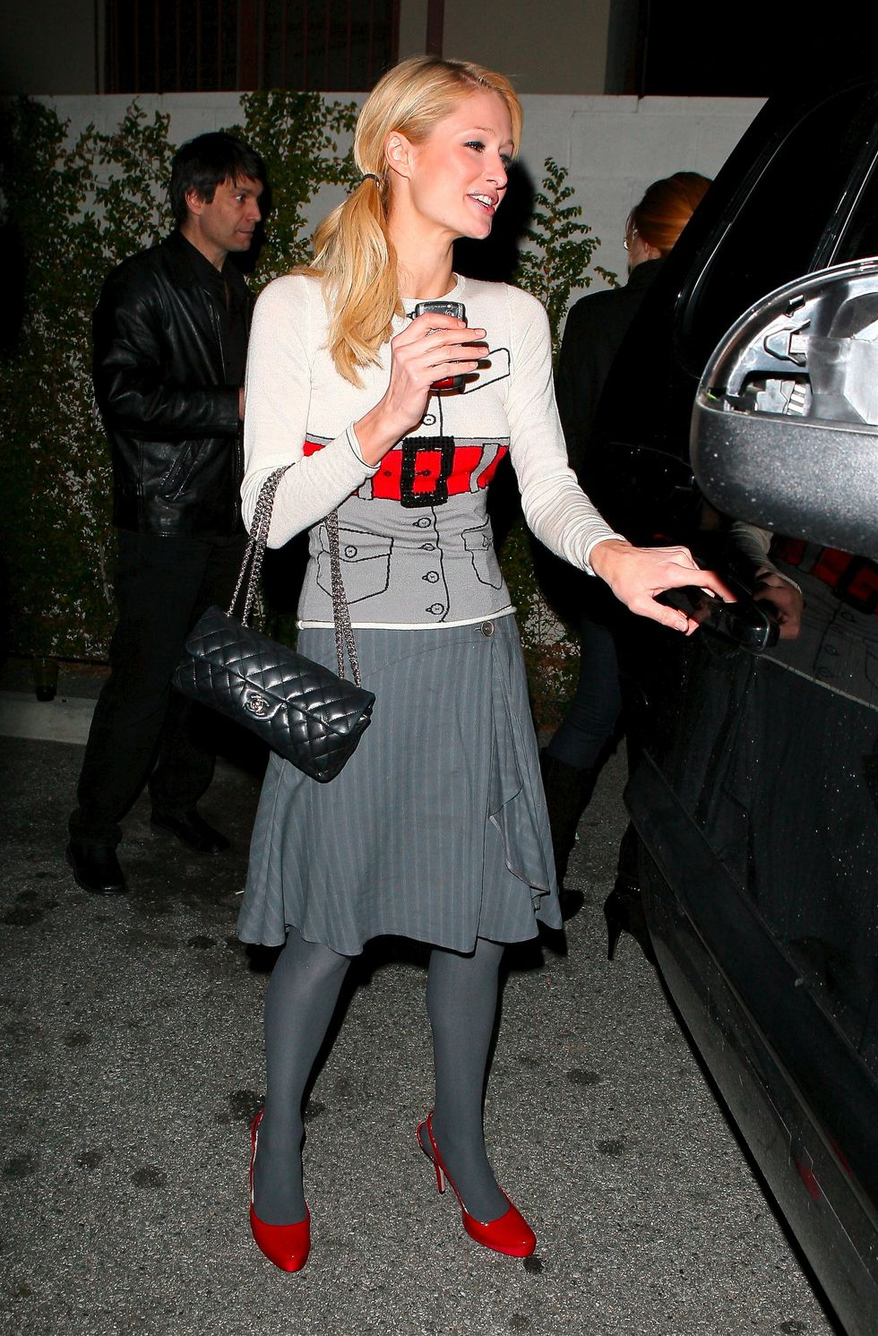 paris-hilton-at-hyde-nightclub-in-los-angeles-01