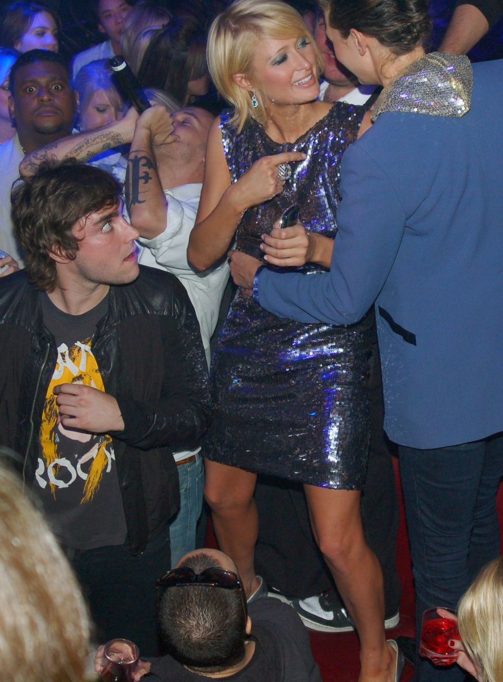 paris-hilton-at-pure-nightclub-in-las-vegas-01