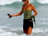 paris-hilton-at-the-beach-in-miami-15