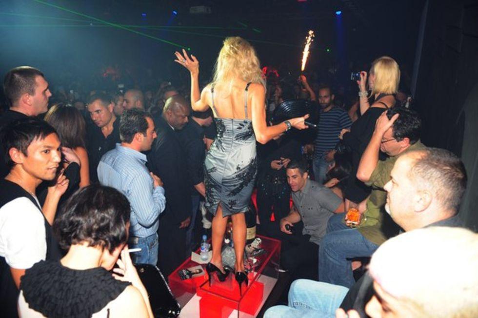 dubai-zarabotat-v-klube-prostitutki