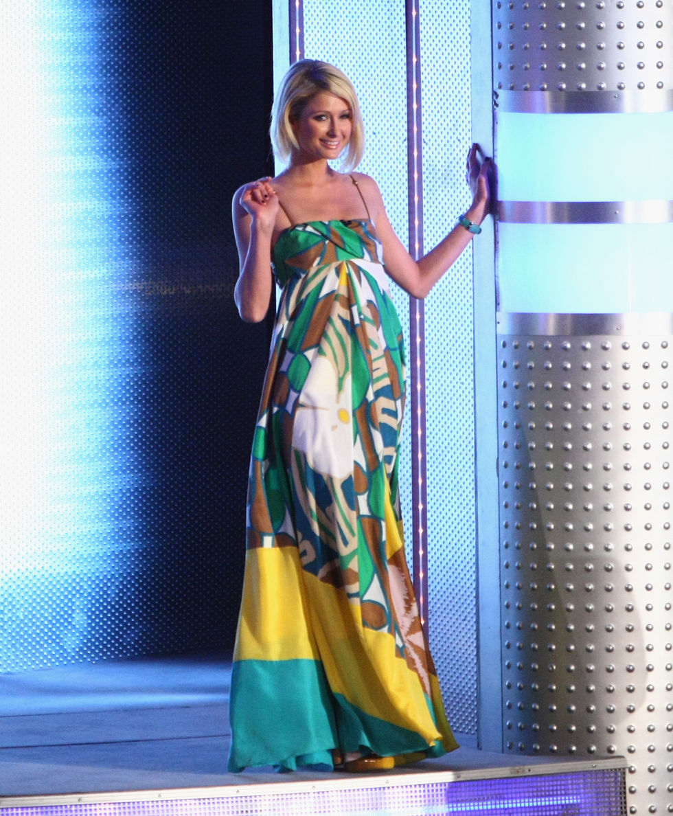 paris-hilton-at-wetten-dass-tv-show-in-germany-01