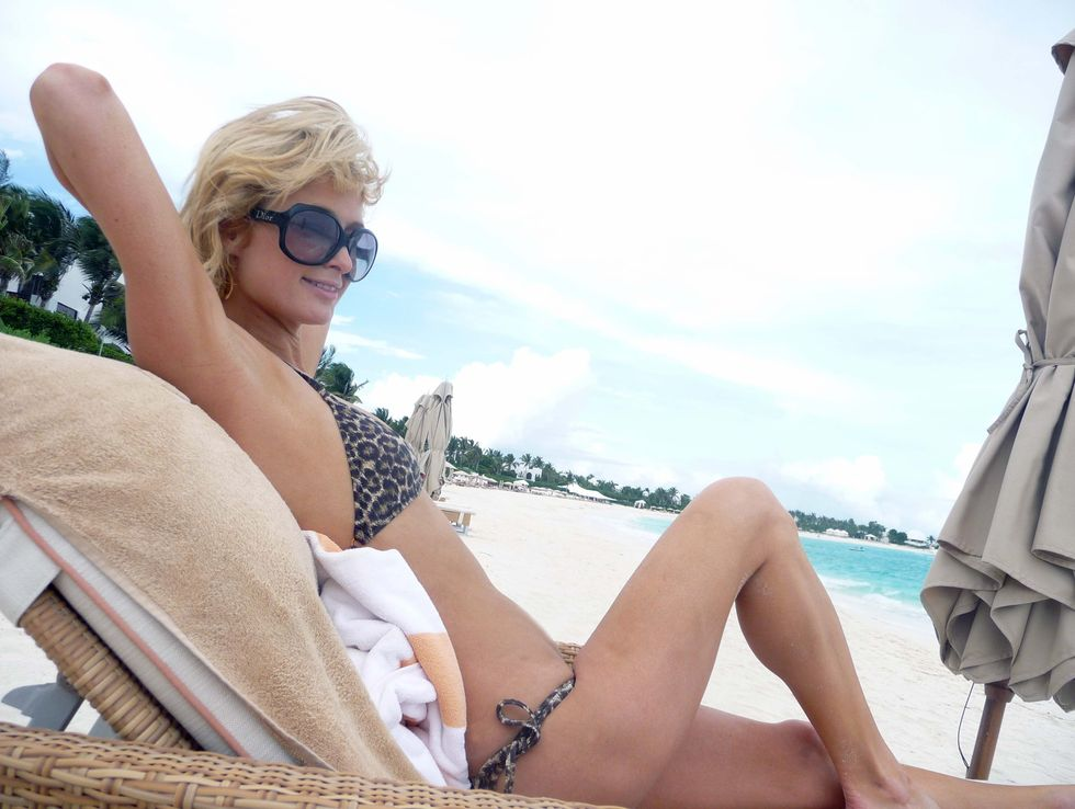 paris-hilton-bikini-candids-at-the-beach-01