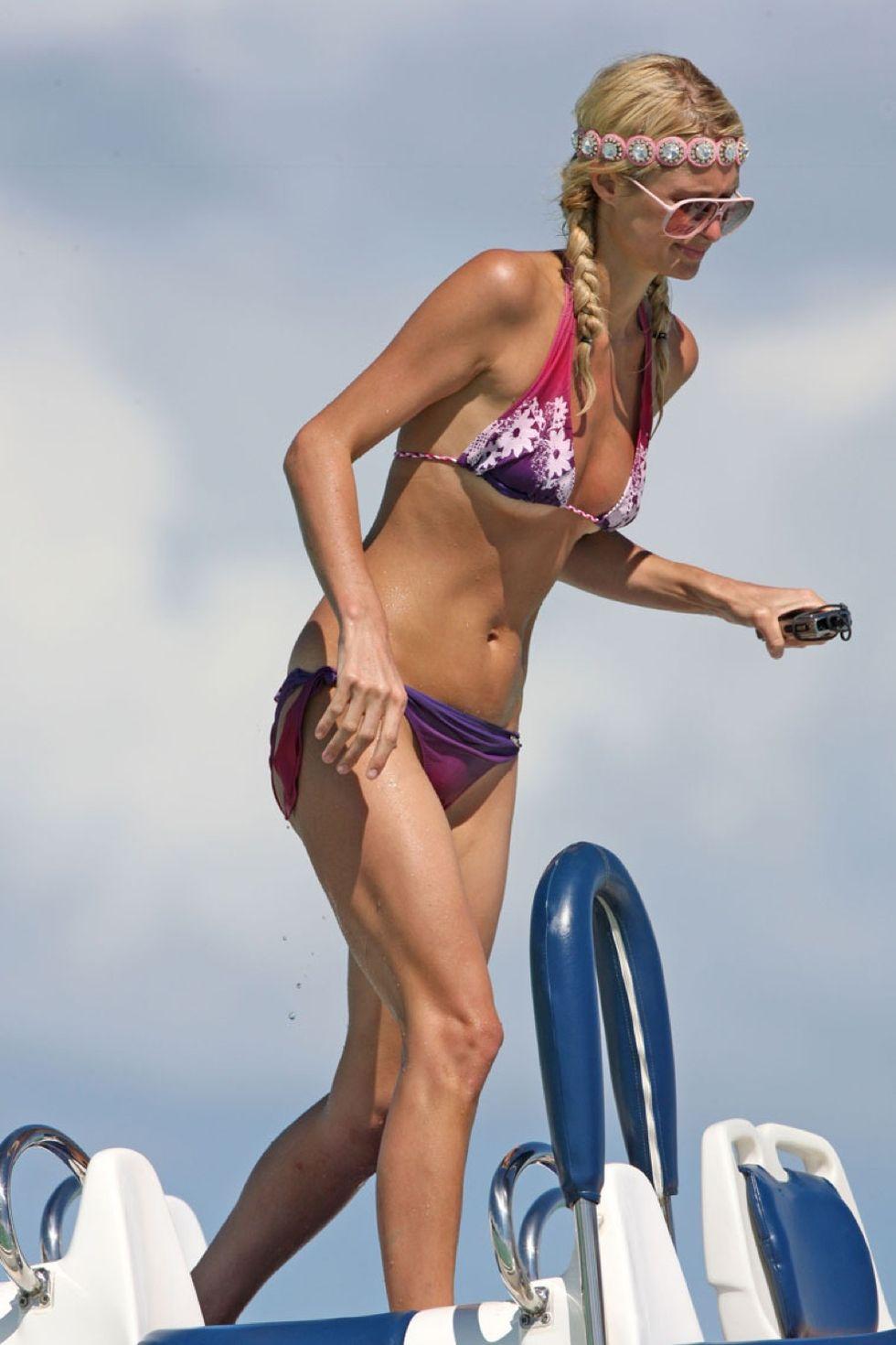 paris-hilton-bikini-candids-in-bora-bora-01