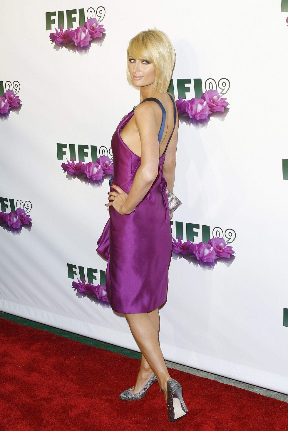 paris-hilton-fifi-awards-in-new-york-01