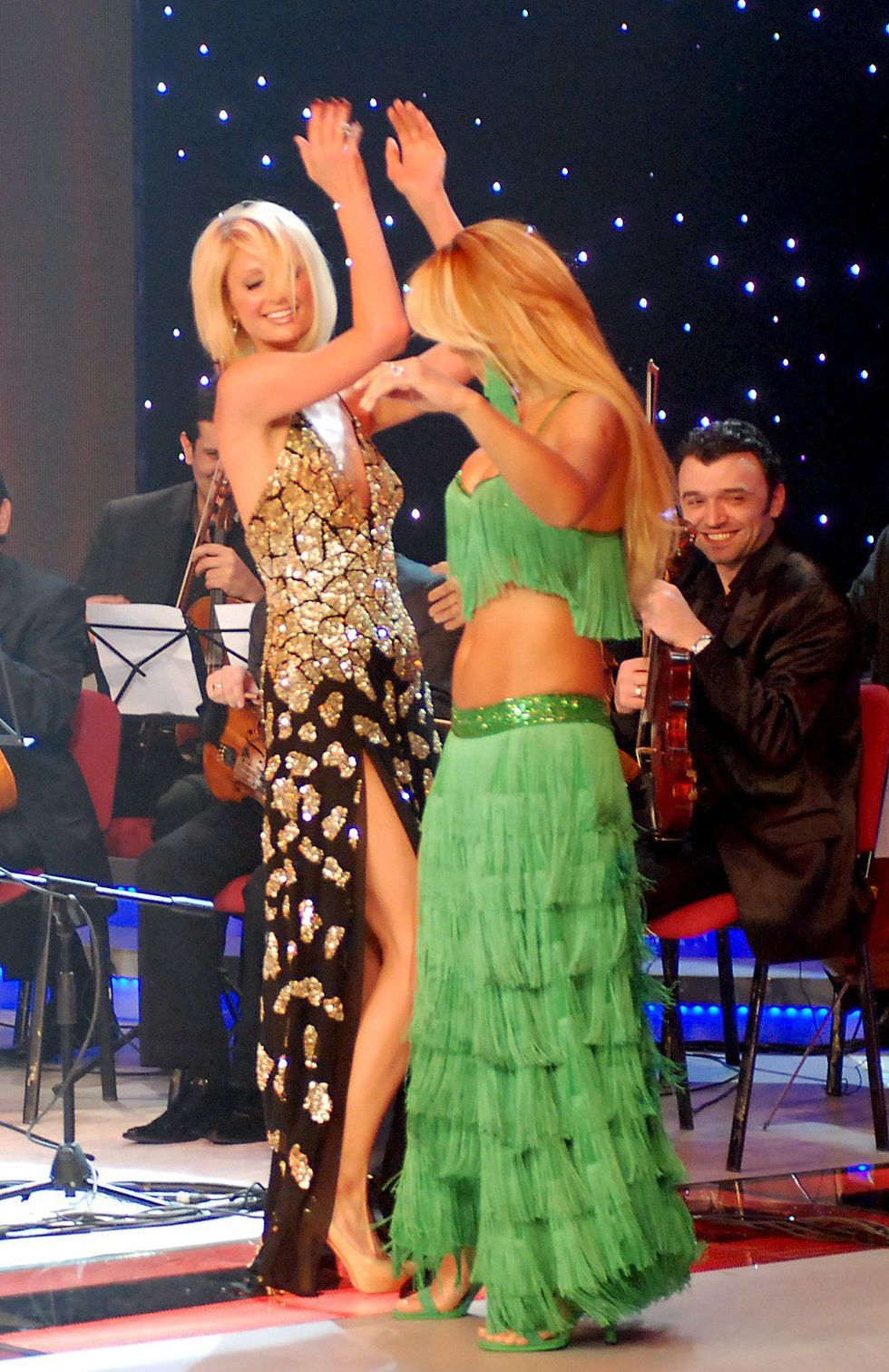 paris-hilton-miss-turkey-beauty-contest-in-istanbul-01