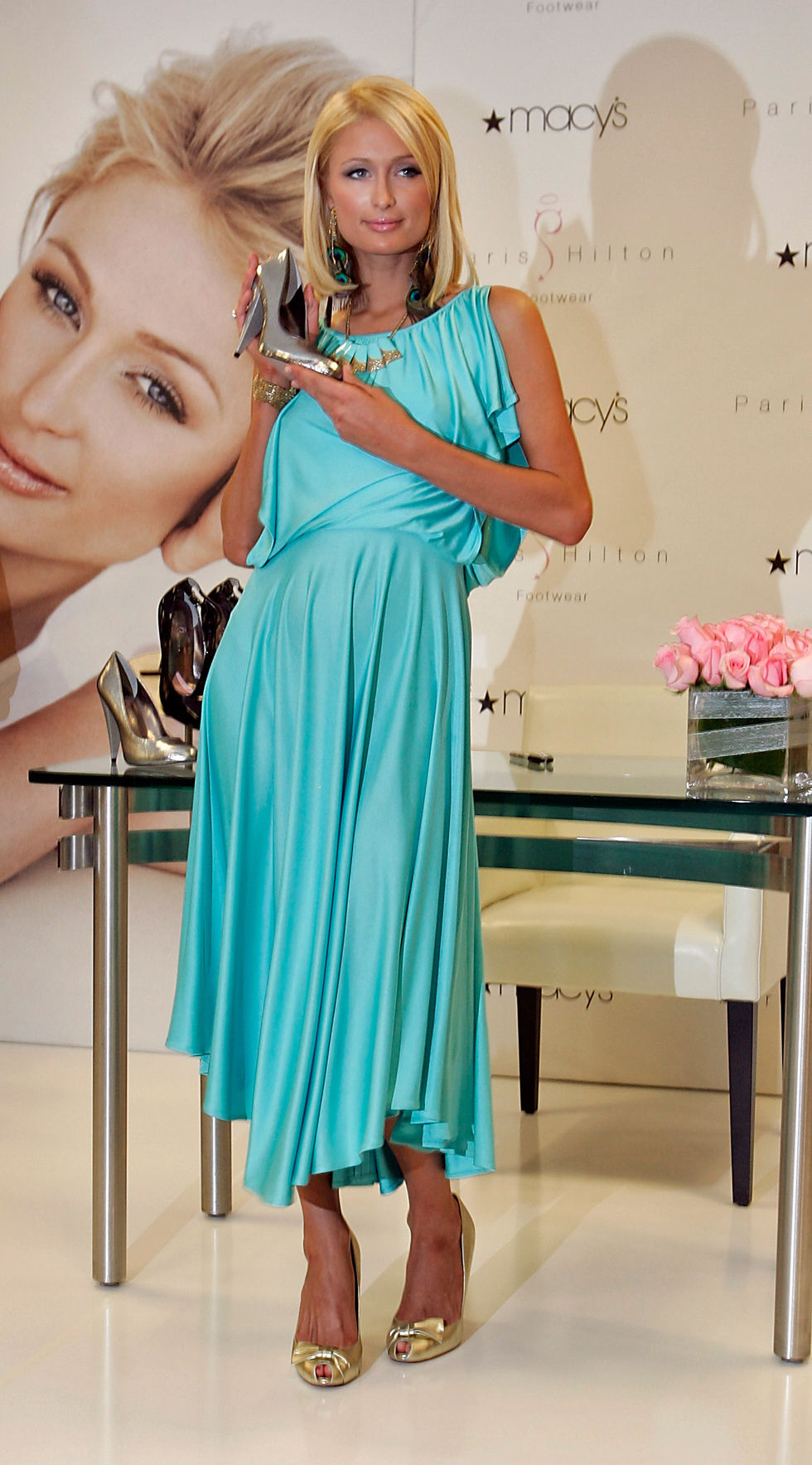 paris-hilton-paris-hilton-footwear-fall-collection-debut-at-the-macys-in-las-vegas-01