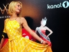 paris-hilton-poses-in-a-hotel-in-istanbul-01