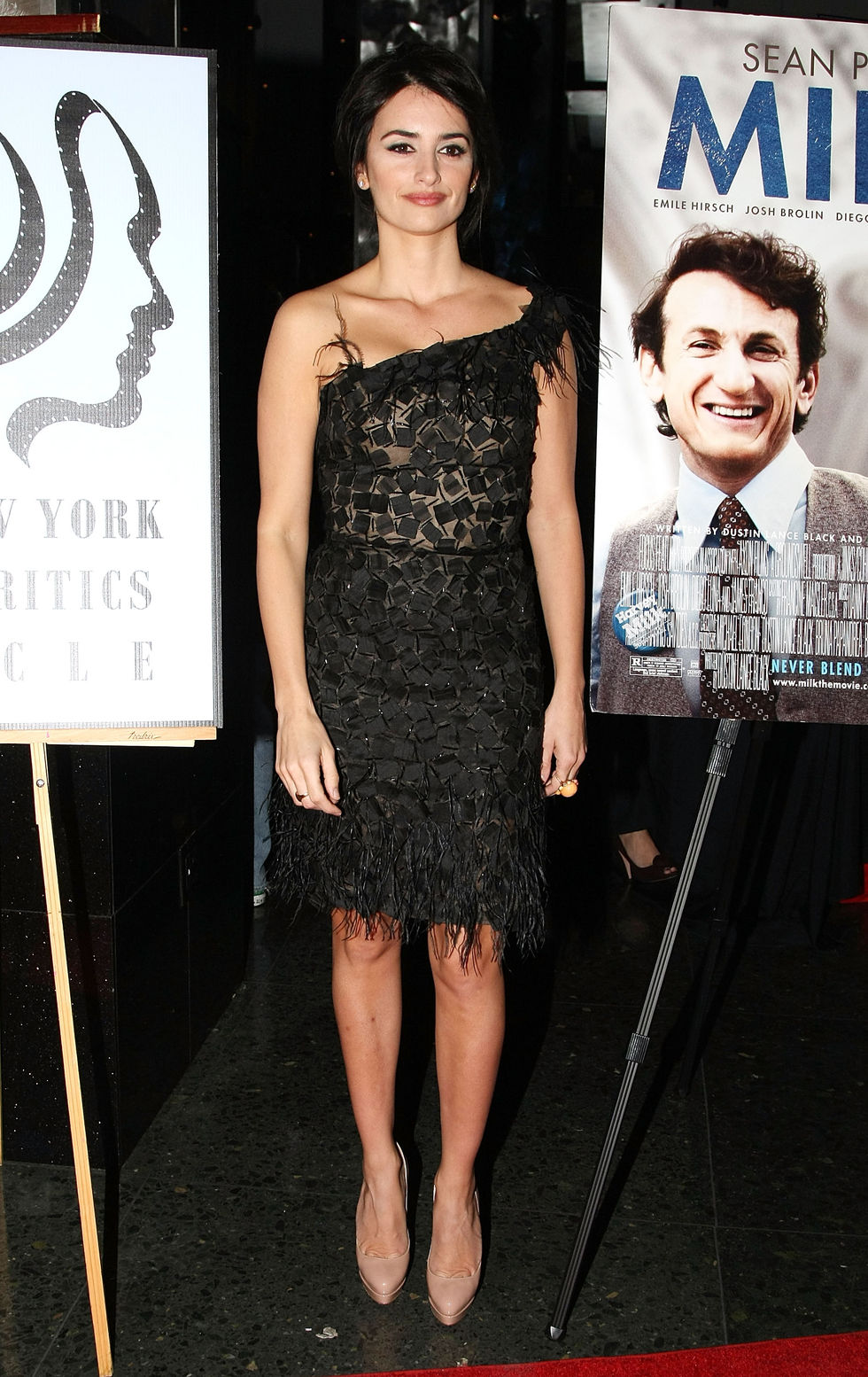 penelope-cruz-2008-new-york-film-critics-circle-awards-in-new-york-city-01