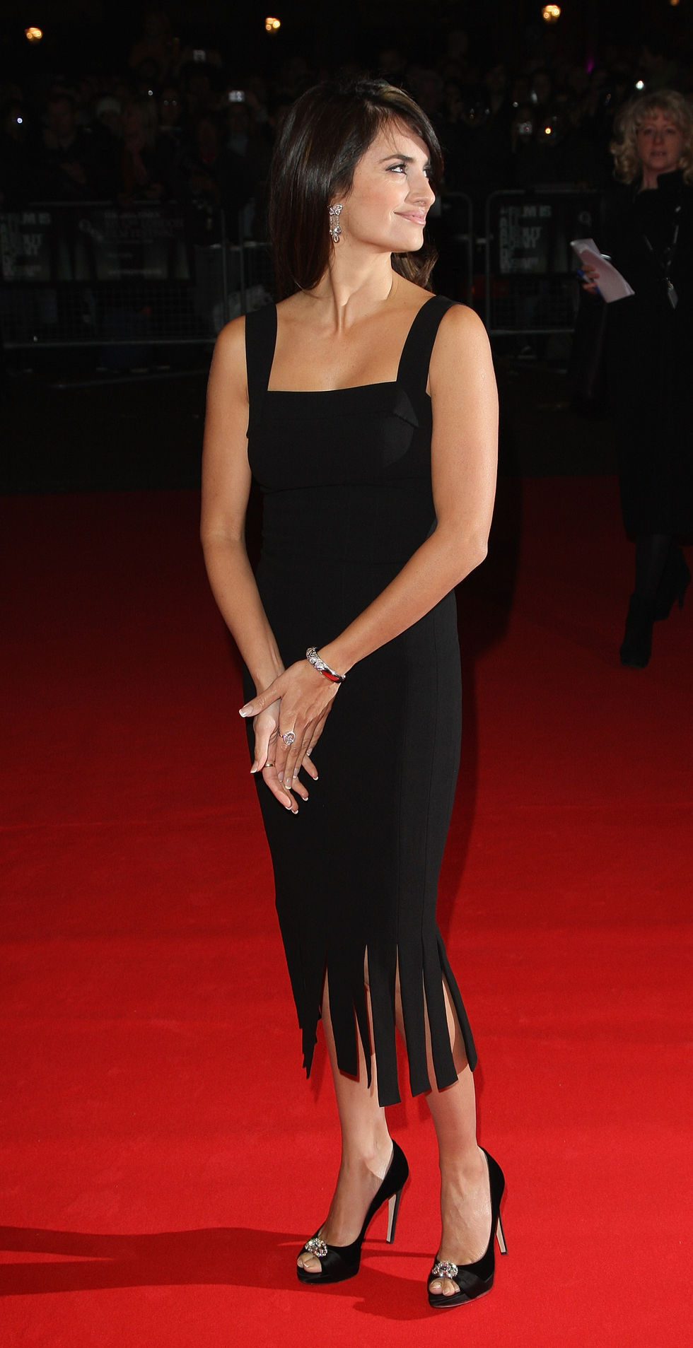 penelope-cruz-vicky-cristina-barcelona-premiere-in-london-01