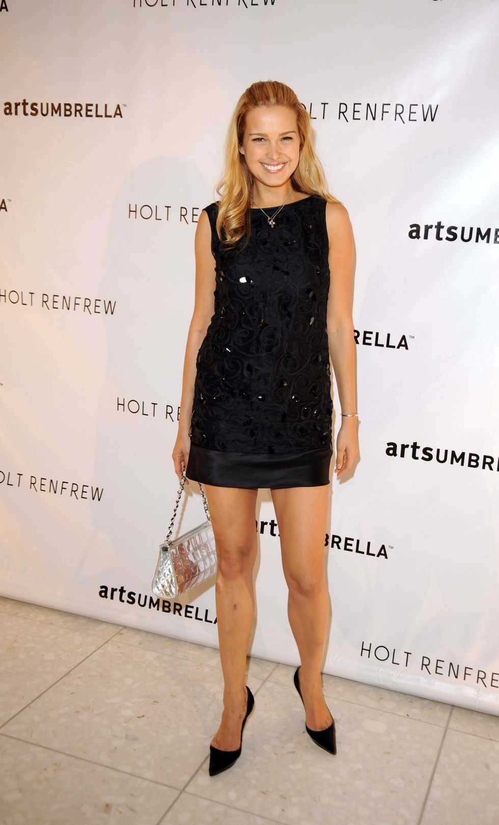 petra-nemcova-holt-renfrew-fashion-gala-in-vancouver-01