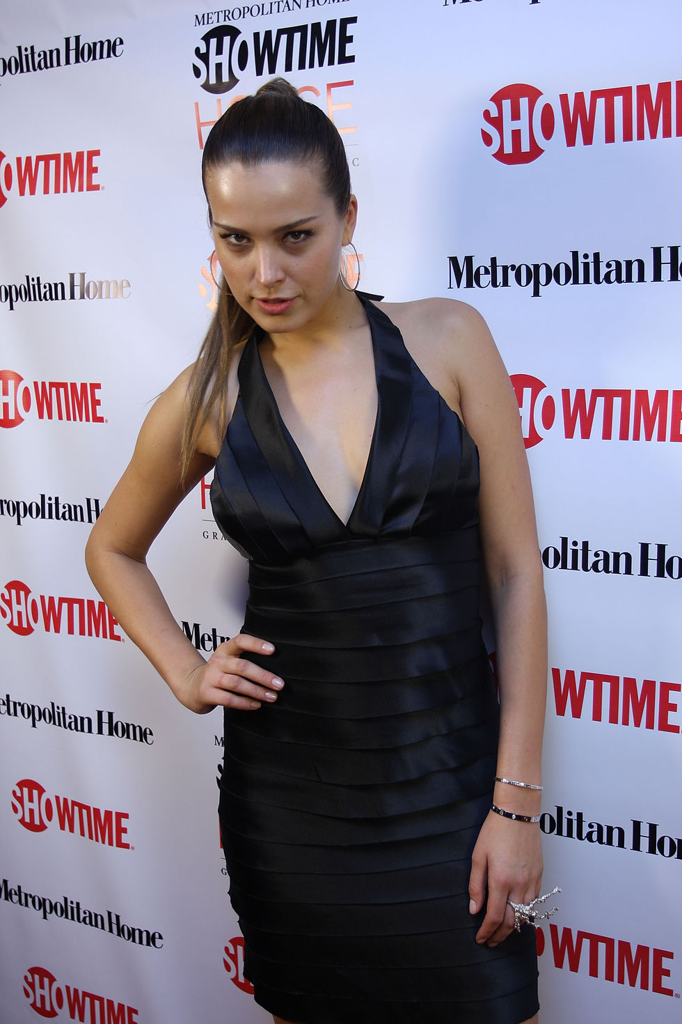 petra-nemcova-metropolitans-home-showtime-house-opening-in-new-york-city-01