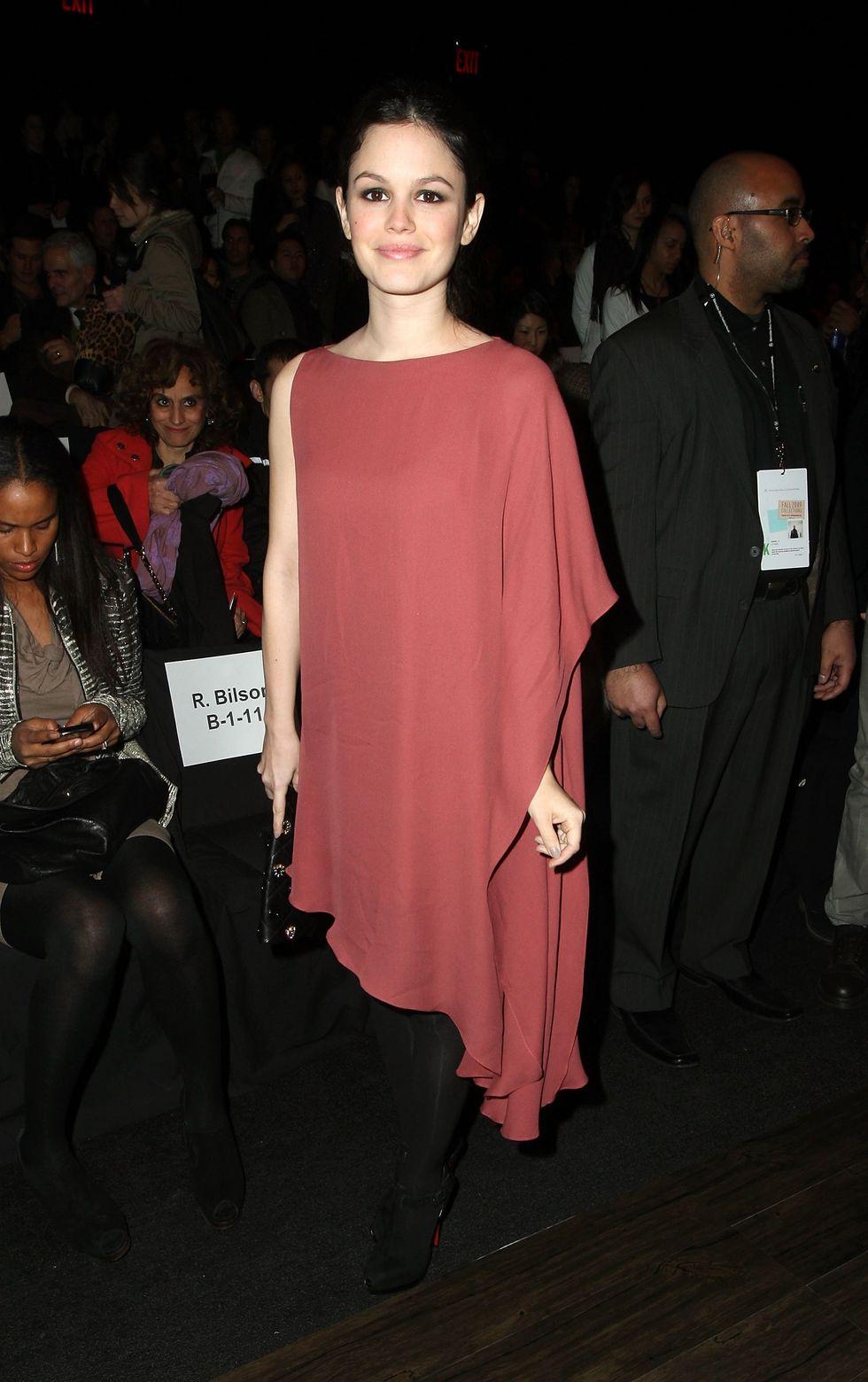 rachel-bilson-max-azria-fall-2009-fashion-show-05