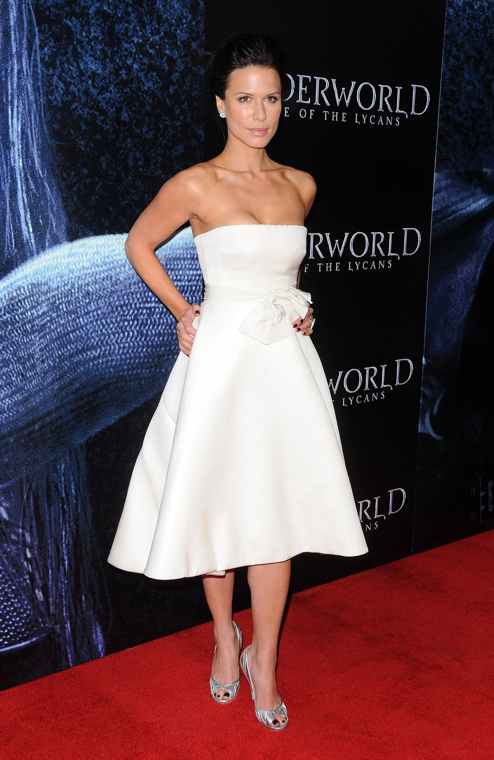 rhona-mitra-underworld-rise-of-the-lycans-premiere-in-hollywood-01
