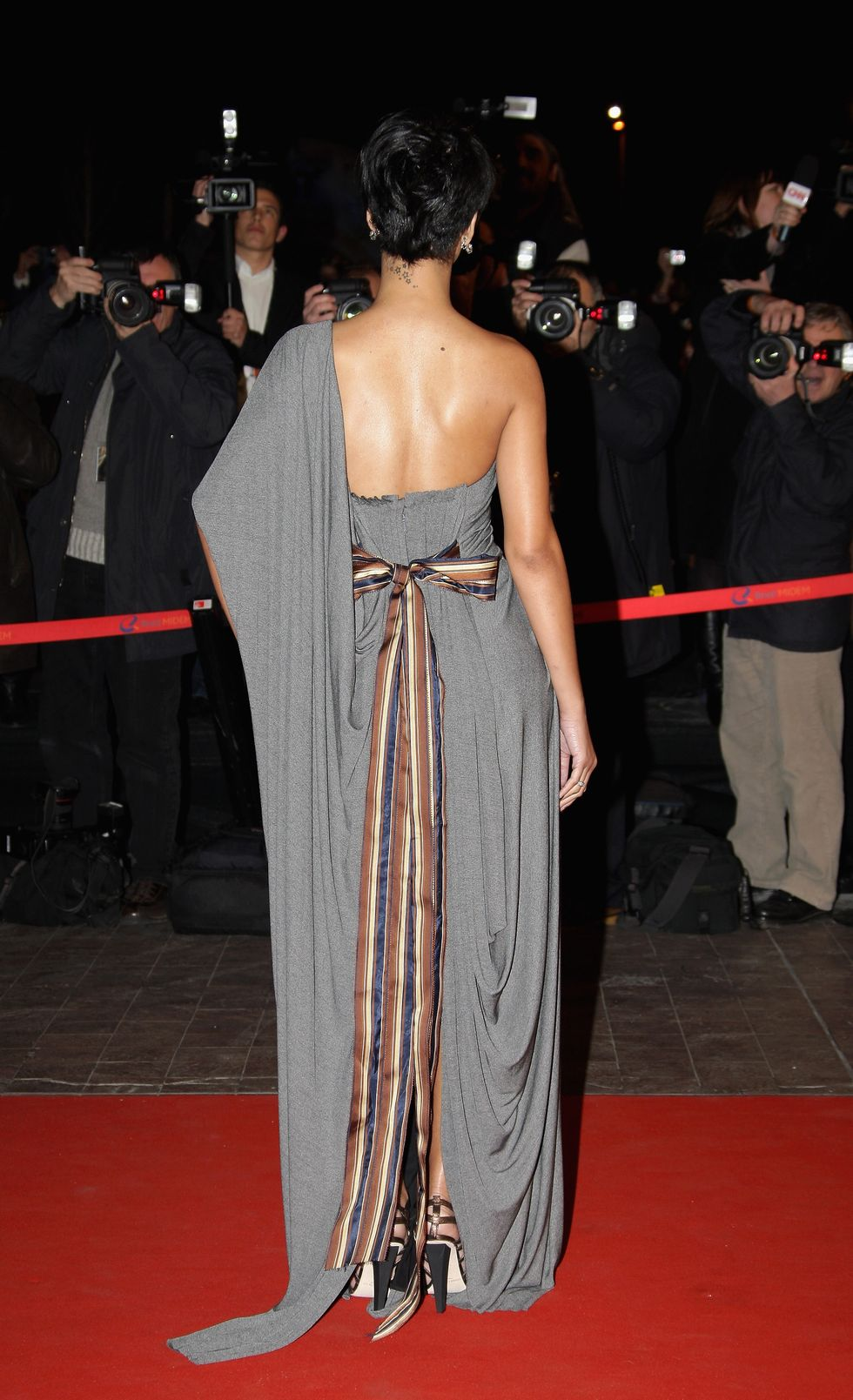 rihanna-2008-nrj-music-awards-in-cannes-01