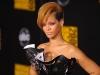 rihanna-2009-american-music-awards-07