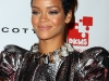 rihanna-3rd-annual-dkms-gala-in-new-york-02