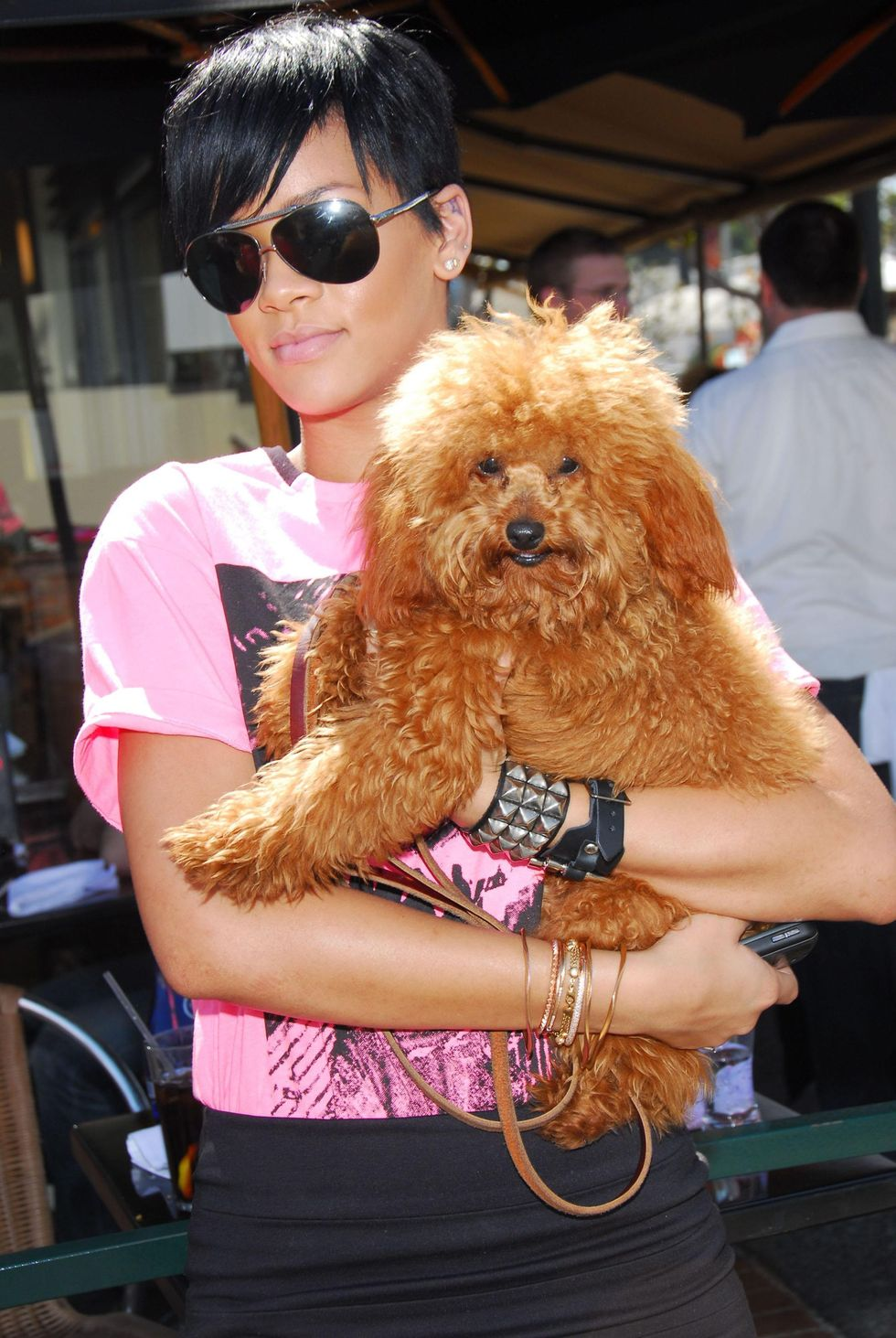 rihanna-at-chin-chin-restaurant-in-los-angeles-01