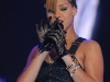 rihanna-bet-106-park-show-in-new-york-04