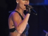 rihanna-bet-106-park-show-in-new-york-05