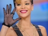 rihanna-bet-106-park-show-in-new-york-15