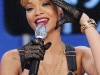 rihanna-bet-106-park-show-in-new-york-18