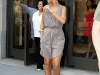 rihanna-candids-in-new-york-3-04