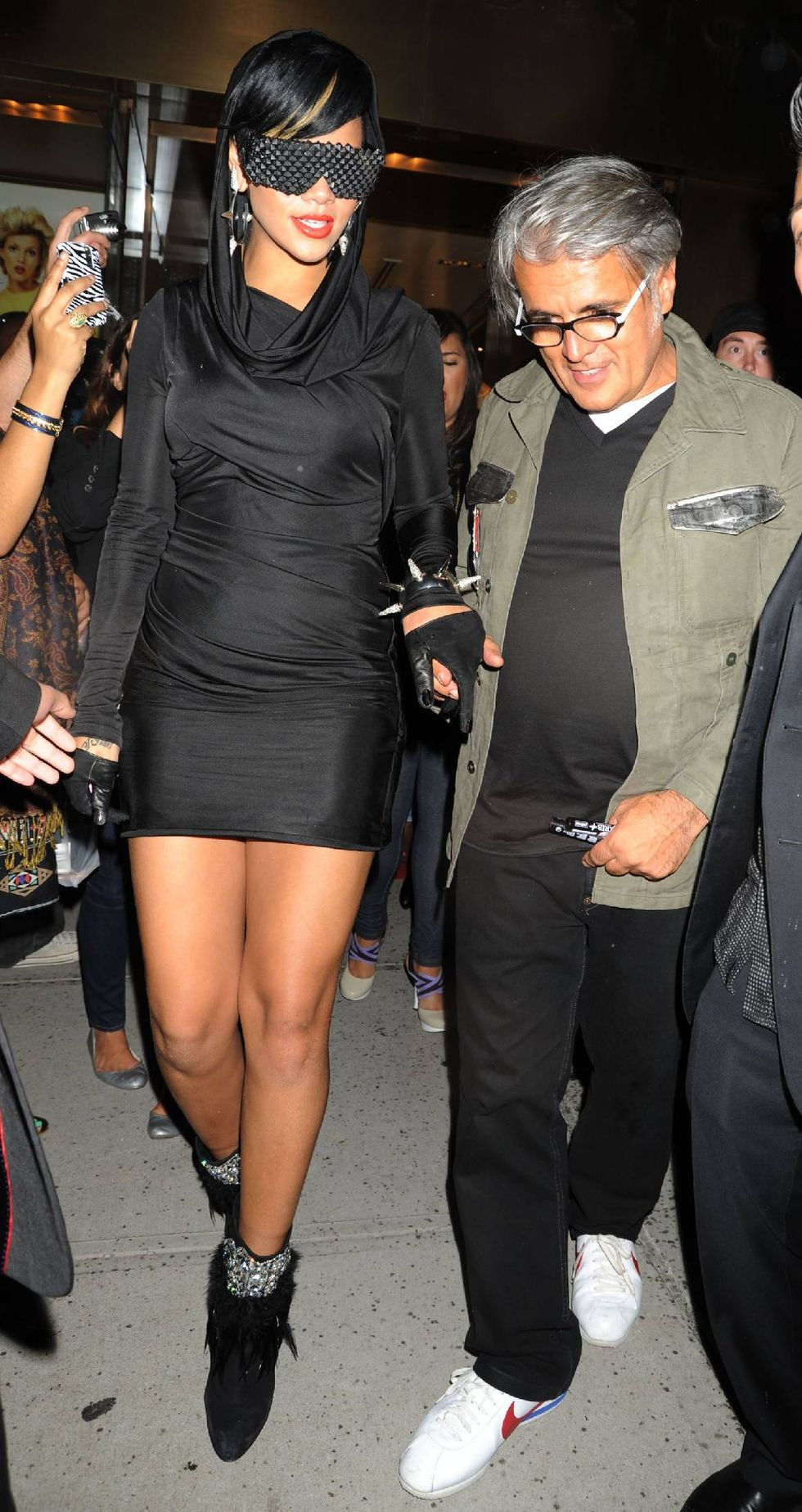 rihanna-fashions-night-out-event-in-new-york-01